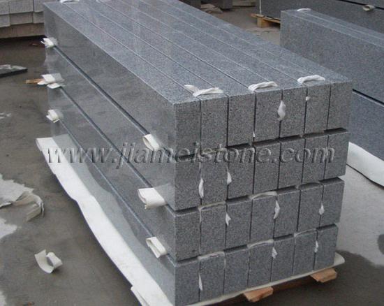 G654 Granite Kerbstone Curbstone Flamed Sawn Bushhammered