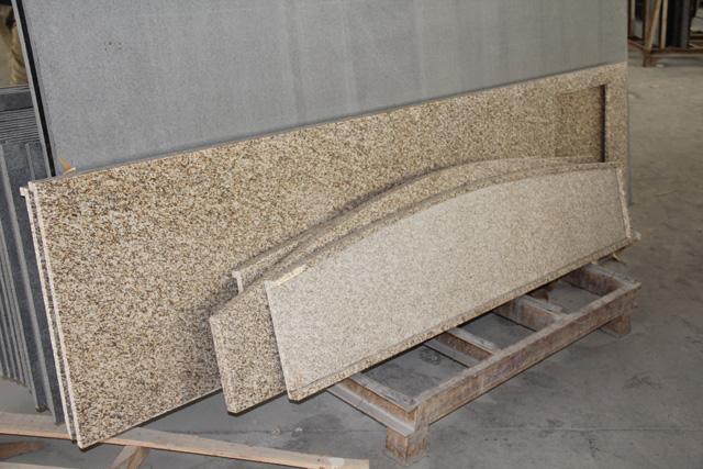 Attrayant Golden Rustic Granite Countertop