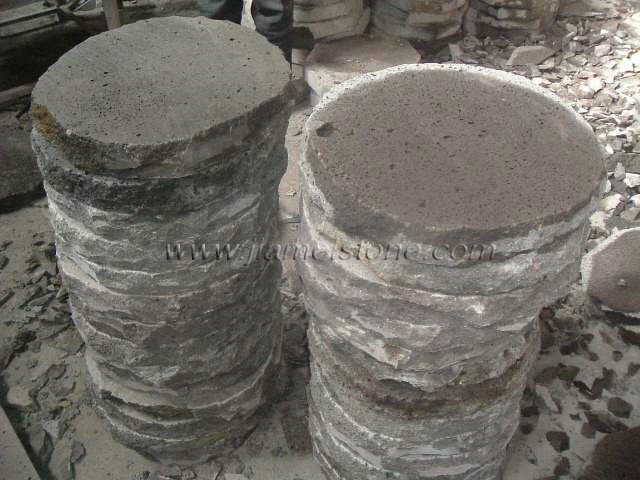 Round basalt pavers round lava stone pavers for gardening for Lava rock pavers